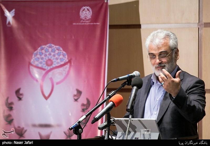 طهرانچی: نگاه غلط به دانشگاه موجب کاهش جمعیت دانشجویان شده است