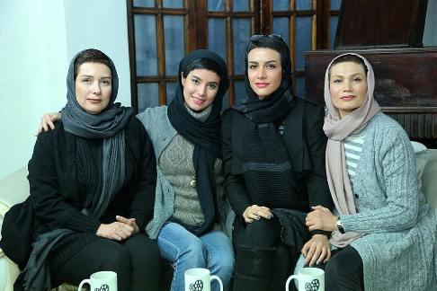 بازیگران زن فیلم کاناپه