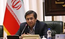 خبرگزاری فارس: بانک مرکزی با قدرت ارز مورد نیاز کالاهای ضروری و مواد اولیه کارخانجات را تامین میکند