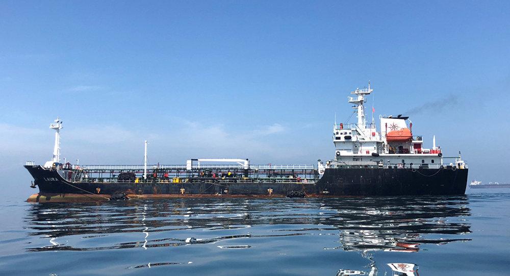 نجات 44 ملوان کشتی حادثه دیده در دریای عمان