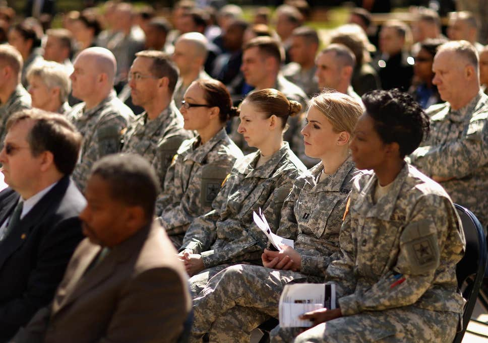 شکست پنتاگون در مقابله با تجاوز در ارتش آمریکا/ وقتی آزار جنسی در میان نظامیان آمریکا بیداد میکند