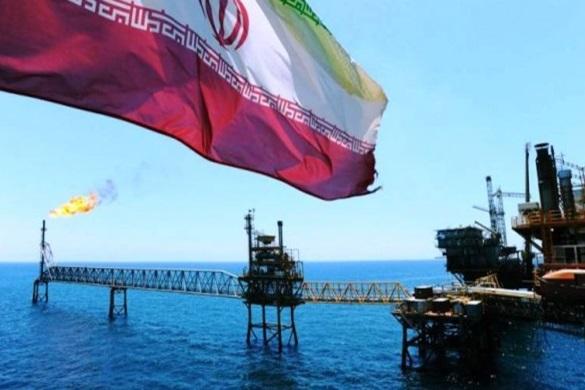 نیویورک تایمز: برخی از کشورها از جمله چین به خرید نفت ایران ادامه میدهند